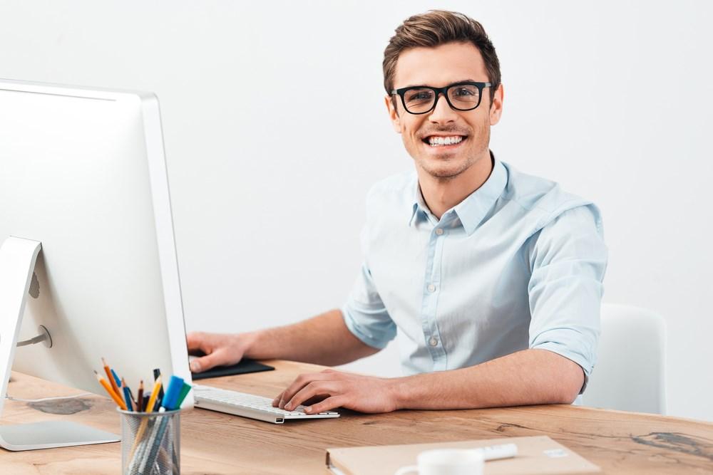 cuida tus ojos también en el trabajo