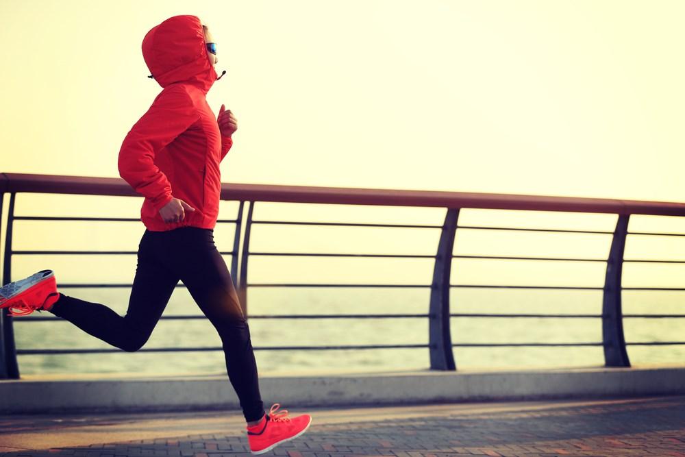 persoa  correndo